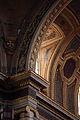 Fenêtre colonne Saint Pierre Rennes.JPG