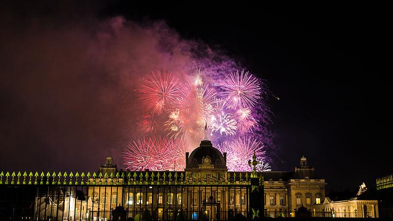 Festa em Paris em julho