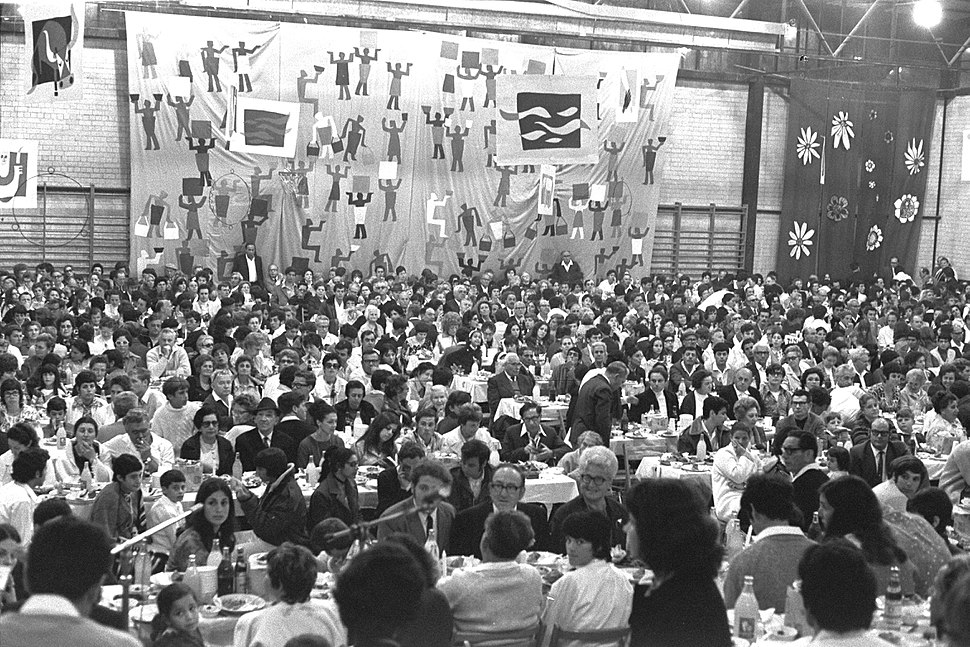 Flickr - Government Press Office (GPO) - A PASSOVER SEDER FOR 1,500 PEOPLE