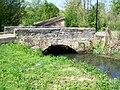 Fontaine-Chaalis (60), pont de la Grande rue sur la Nonette, à la limite avec Montlognon.jpg