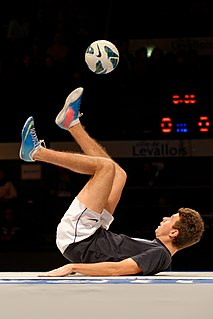 Freestyle football Football juggling and tricks