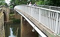 Footbridge - geograph.org.uk - 261045.jpg
