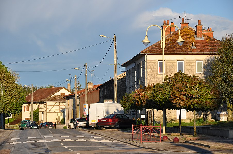 Centre of Villers-en-Argonne with the Rue du Chemin de Chalons (main street, D63)(canton Sainte-Menehould, Marne department, Champagne-Ardenne region, France).