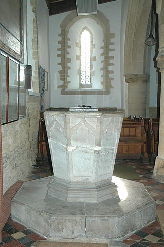 Fritwell - St Olave's font is Decorated Gothic and was made in the 14th century