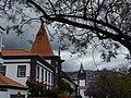 Funchal – im Hintergrund, Sé - die Kathedrale - Mai 09 - panoramio.jpg
