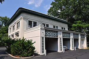 Beechwood (Vanderlip mansion) - Image: Garage at Beechwood