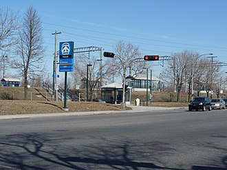Du Ruisseau station - Entrance on Henri-Bourassa Blvd. West