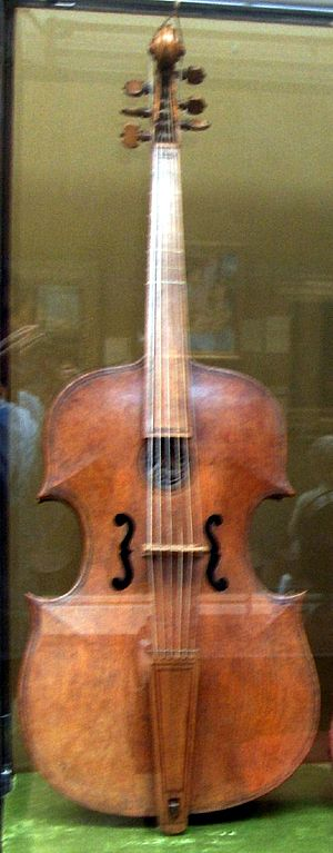 Gasparo da Salò - Image: Gasparo da Salo bass viol