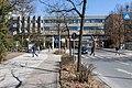 Gebäudeteile der Carl-von Ossietzky-Universität überspannen den Uhlhornsweg in Oldenburg (2012).jpg