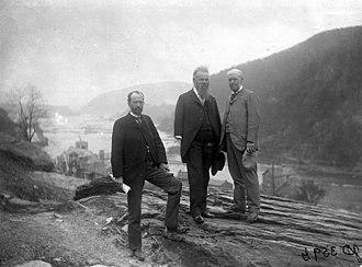 Archibald Geikie - Image: Geikie Powell Walcott in Harpers Ferry 1897