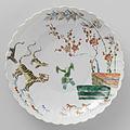 Geribde schaal van porselein-Rijksmuseum AK-MAK-1495.jpeg