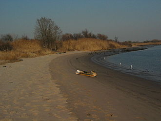 """Gerritsen Beach, Brooklyn - The beach just past the end of Gerritsen Avenue, called """"The Point"""" by local residents"""