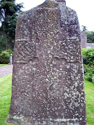 Triple disc (Pictish symbol) - Image: Glamis Stone front