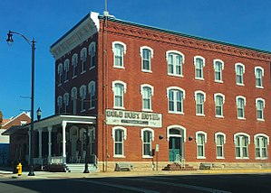 Fredonia, Kansas - Gold Dust Hotel