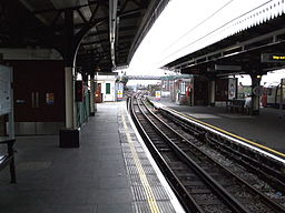 Golders Green stn centre north