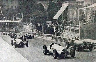 1937 Monaco Grand Prix - Image: Grand Prix de Monaco 1937, dans la rampe de Sainte Dévote