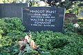 Grave Walter Pabst St-Annen-Kirchhof Dahlem.jpg