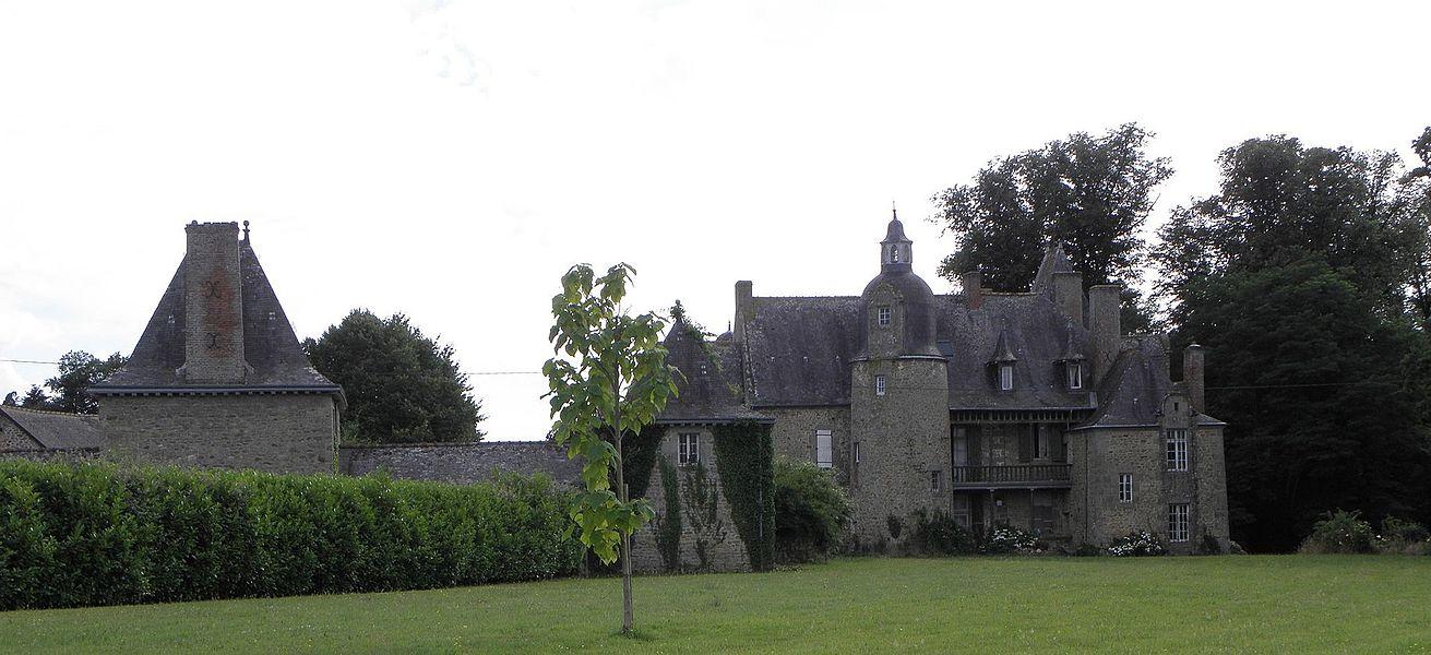 Château de la Cour en Grazay (53).