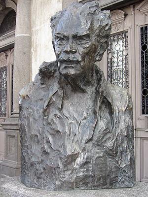 Joaquín Gutiérrez - Statue of Gutiérrez outside the National Theater, San José