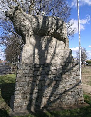 Guyra, New South Wales - Statue commemorating the lamb and potato industries, Guyra, NSW