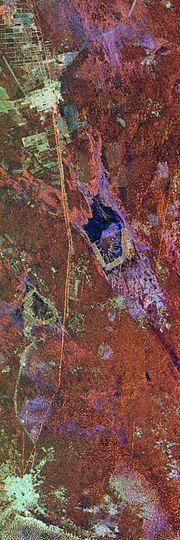 Snímek Velké zdi pořídil radar raketoplánu Endeavour 10. dubna 1994, verze ve falešných barvách