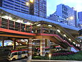 HK Sheung Wan 上環 covered footbridge 德輔道中 Connaught Road Central 02 evening April-2012.JPG