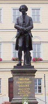 Gellert-Denkmal von Ernst Rietschel (1865) vor dem Rathaus in Hainichen (Quelle: Wikimedia)