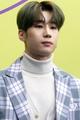 Han Seung-woo at Seoul Fashion Week SS 2020 01.png