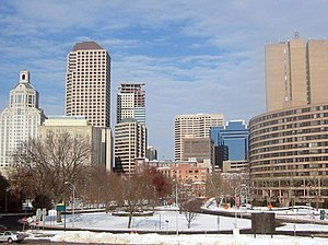English: Hartford is a business center known a...