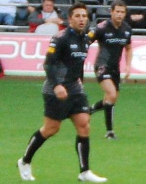 Gavin Henson - Henson in action for the Ospreys
