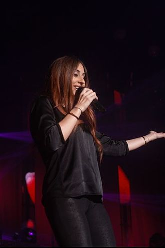 Libanese-Palestinian singer Hiba Tawaji recorded the song twice in French: with the Canadian and European lyrics Hiba1.JPG