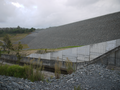 Hinze Dam - Dam Wall (December 2011).png