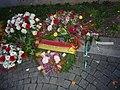 Hommage aux victimes des attentats du 13 novembre 2015 en France au Consulat de France de Genève-14.jpg