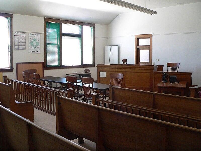 File:Hooker County, Nebraska courthouse courtroom 1.JPG