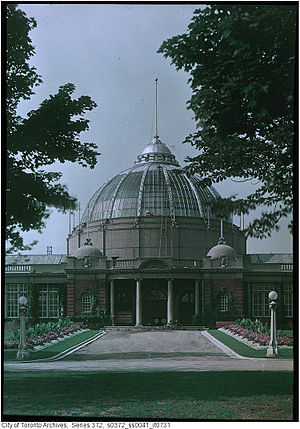 Horticulture Building (Toronto) - View of the Horticulture Building main entrance in 1912.
