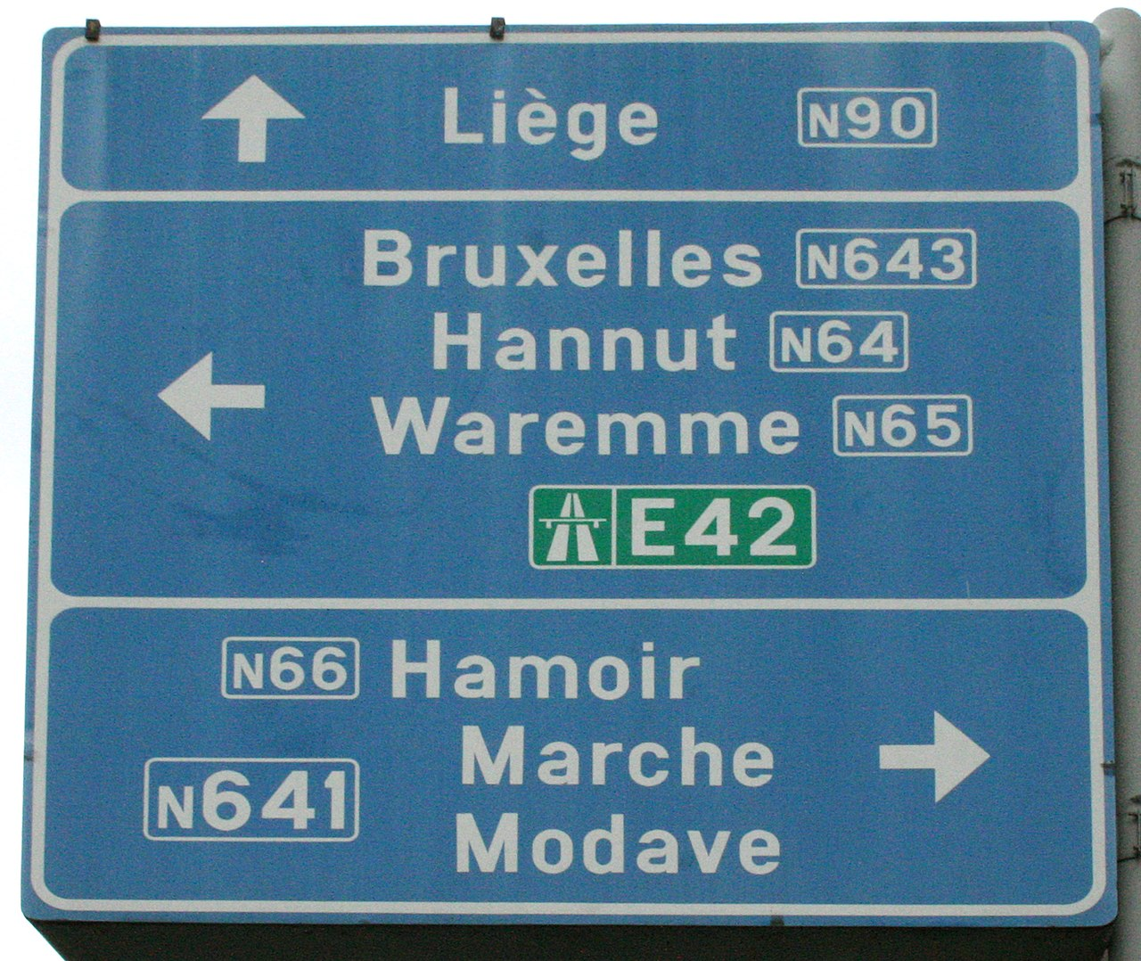 Belgium uses the SNV typeface.