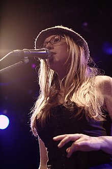 Description de l'image Ingrid Michaelson at Melkweg Amsterdam.jpg.