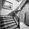 Interieur- trapopgang op de begane grond - Haarlem - 20286008 - RCE.jpg