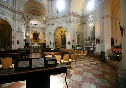 Interior view (right) - Santa Maria del Suffragio - Ravenna 2016.jpg