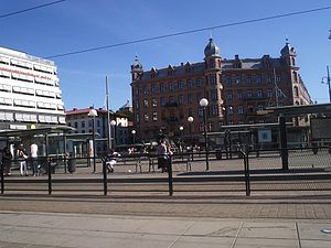 Järntorget (Göteborg) - Järntorget to the south with the small-scale buildings of Haga in the left (southeast) corner and the broad street of Linnégatan on the right (southwest) corner
