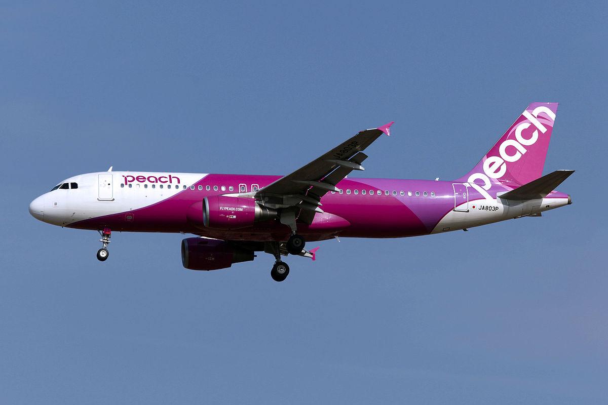 JA803P - Peach - Airbus A320-214 - ICN (17198224412).jpg