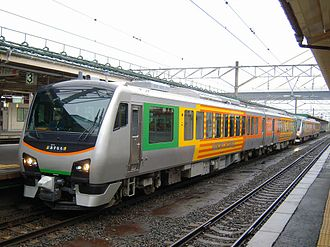 HB-E300 series - Two two-car Resort Asunaro sets at Aomori Station in December 2010