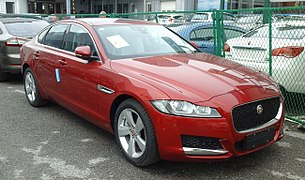 Jaguar XF X260 001 China 2016-04-16.jpg