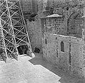 Jeruzalem, oude stad Steunconstructies tegen de muren van de H Grafkerk in ver, Bestanddeelnr 255-1663.jpg