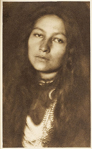Dakota people - Zitkala-Sa (1876—1938), Yankton author, photographed by Joseph Keiley