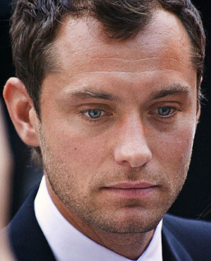 Actor Jude Law at the 2007 Toronto Internation...
