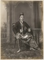 KITLV 10007 - Kassian Céphas - Javanese man in court dress, belonging to the family of Hamengkoe Buwono VII sultan of Yogyakarta - Around 1885.tif