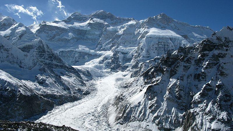 800px Kangchenjunga PangPema