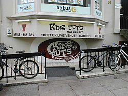 King Tut's Wah Wah Hut 1.jpg