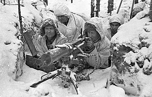 Finnish Army - Finnish troops at a machine-gun post during the Winter War.